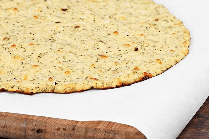 healthy cauliflower pizza base